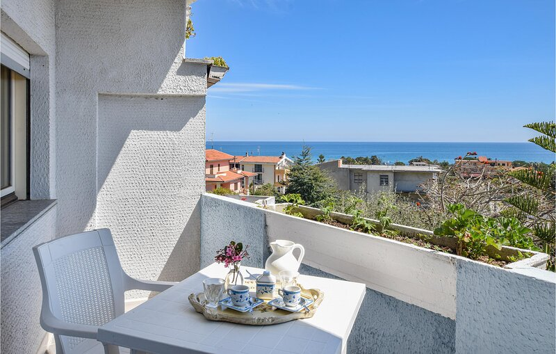 Beautiful apartment in Guardavalle with WiFi and 2 Bedrooms (IKK574), vacation rental in Monasterace