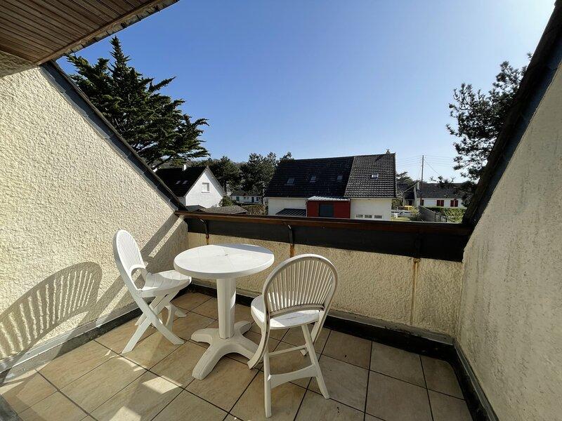 Appartement au 1er étage, avec balcon, 4 couchages, à Jullouville, location de vacances à Champeaux