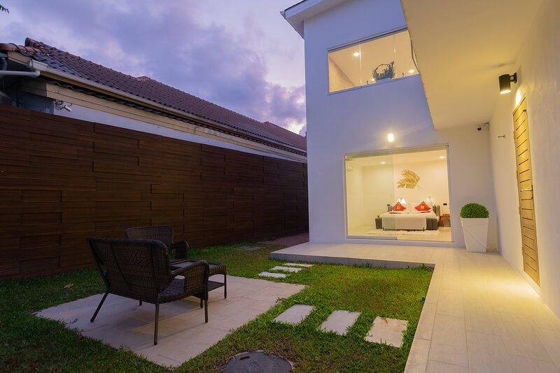 Bedroom 3 private garden