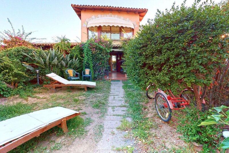 Appartamenti San Teodoro VIII con BBQ, A/C e WIFI, vacation rental in Suaredda-Traversa