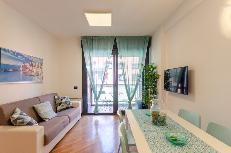 Dock of the Bay Genova apartment 2b/1b Cod Citra 010025 LT 1743, holiday rental in Neirone