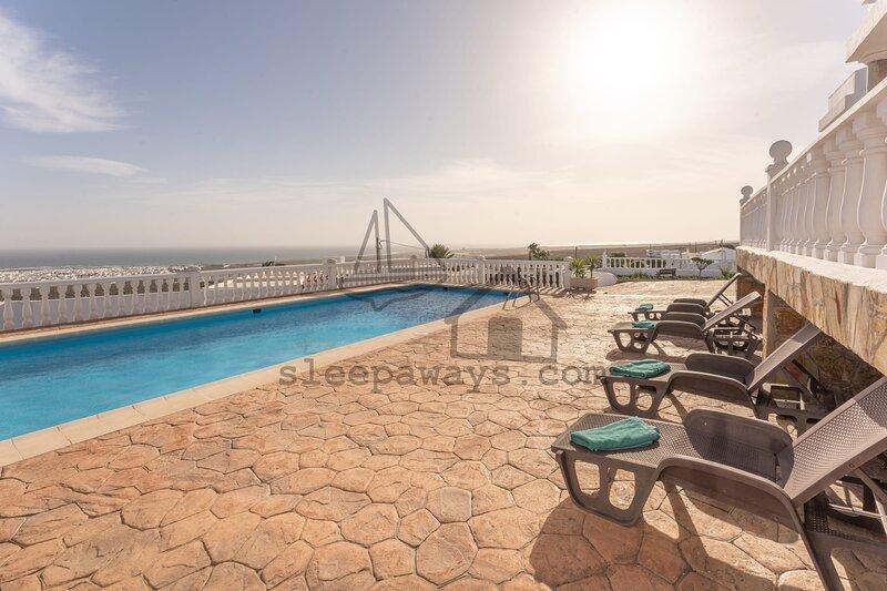 Wide Views Aparment Lanzarote 1, alquiler vacacional en Guime