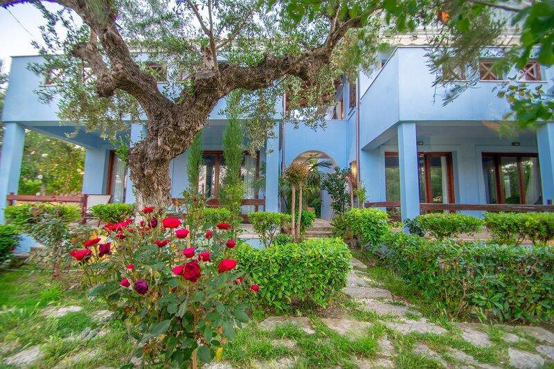 Bella Mare Tsilivi Villas - Paris Villa, holiday rental in Akrotiri