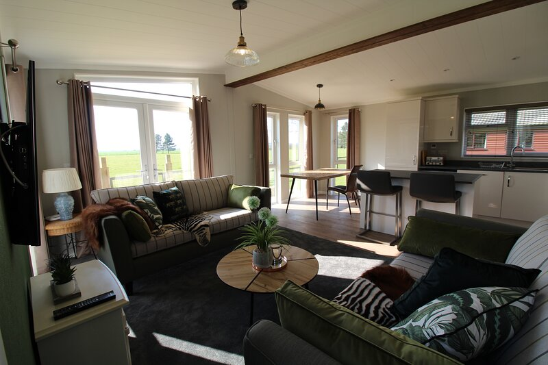 Open plan light and airy lodge with beautiful country views.