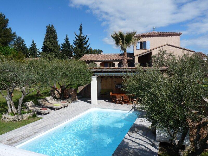 Villa Le Clos des Oliviers, location de vacances à Châteauneuf-du-Pape