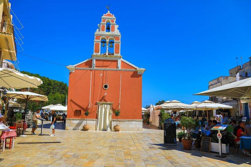 Villa Labovitsa: A/C, sunny terraces, Wi-Fi, sleeps 4, holiday rental in Platanos
