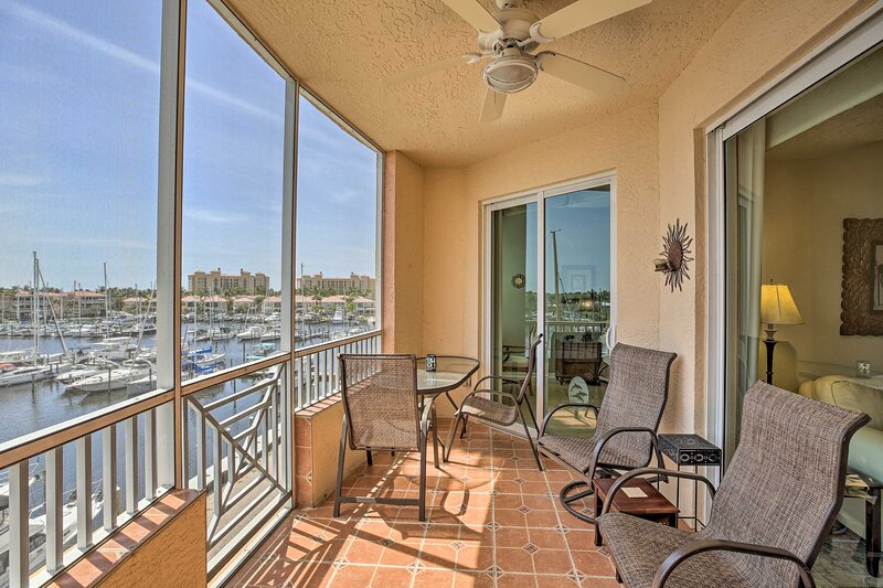 Waterfront Condo w/ Access to Pool & Golf Course!, holiday rental in Bokeelia