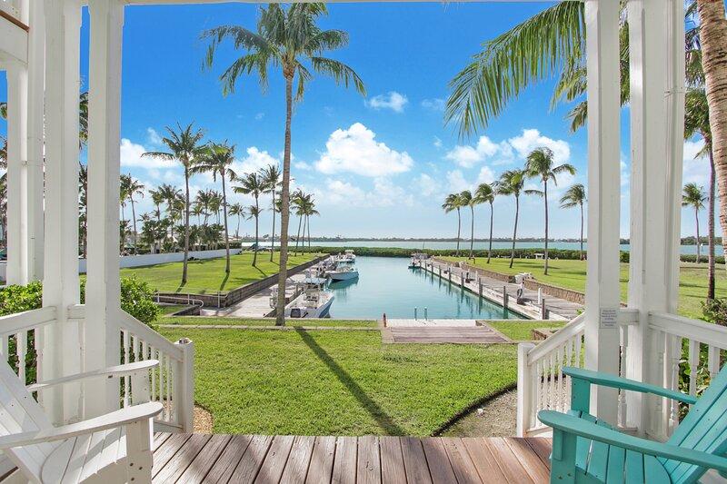 Waterfront luxury Villa (43) with sunset views and boat slip, alquiler vacacional en Marathon