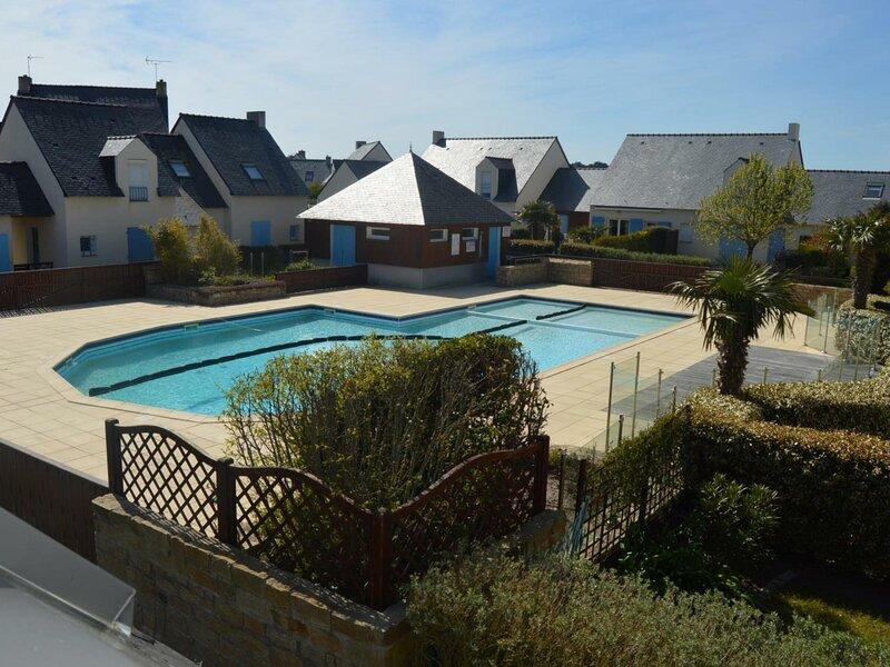 Maison de vacances, plage, centre, et commerces à pied dans résidence avec, holiday rental in Batz-sur-Mer