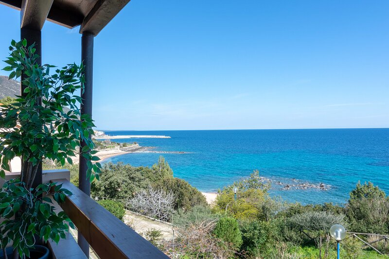 Sisters' Sunrise Home, holiday rental in Cala Gonone