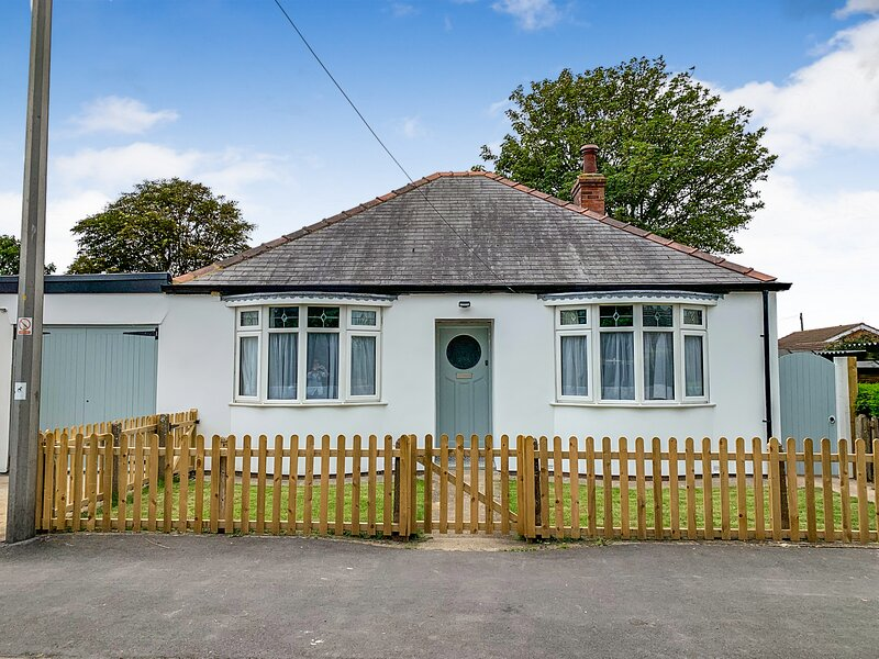 Newly refurbished Holiday cottage, ideal location, location de vacances à Sutton-on-Sea