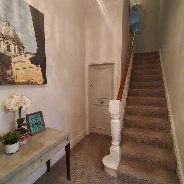 Stunning Apartment 2- with Lounge & Galley Kitchen, location de vacances à Lytham