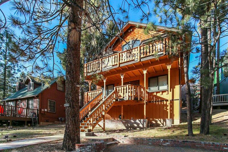 Smokey Bear's Den, alquiler de vacaciones en Big Bear Region