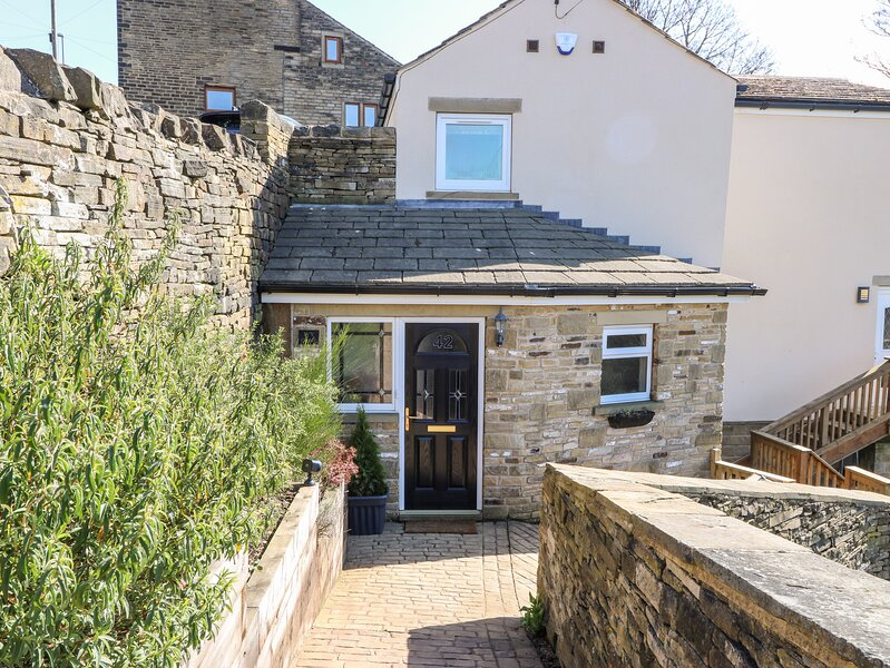 42 South Lane, Holmfirth, holiday rental in Grange Moor