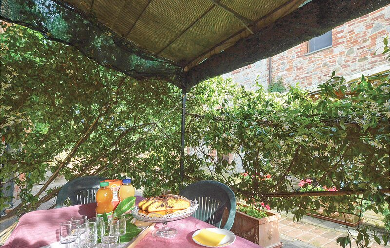 Stalla (ITS051), vacation rental in Amorosa