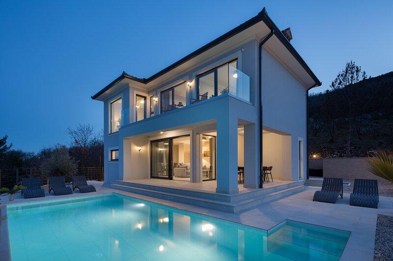 Villa Yolo - You Only Live Once, holiday rental in Drenje