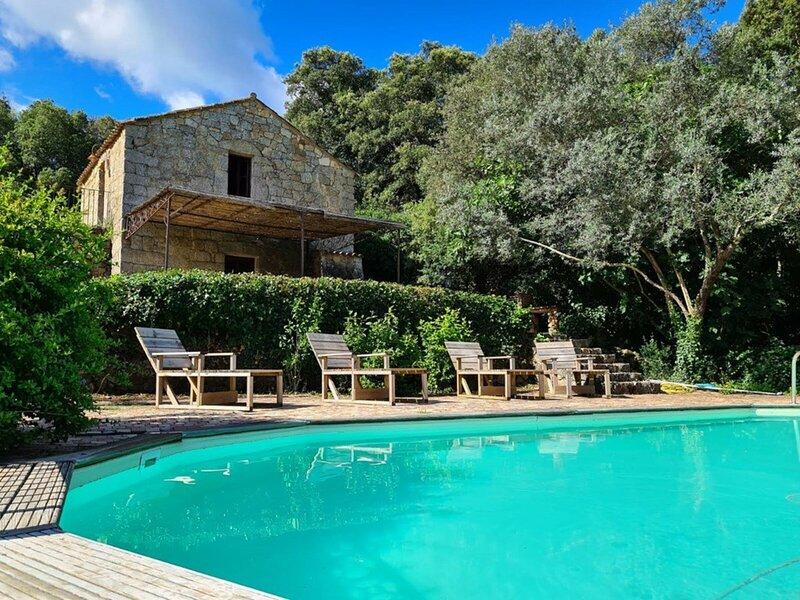 Bergerie de 1770 avec piscine, location de vacances à Sartène