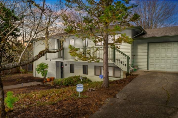 Comfy and Quiet Retreat, Next to Parks and Trails, Single Level Design, BBQ, 11, holiday rental in Tigard