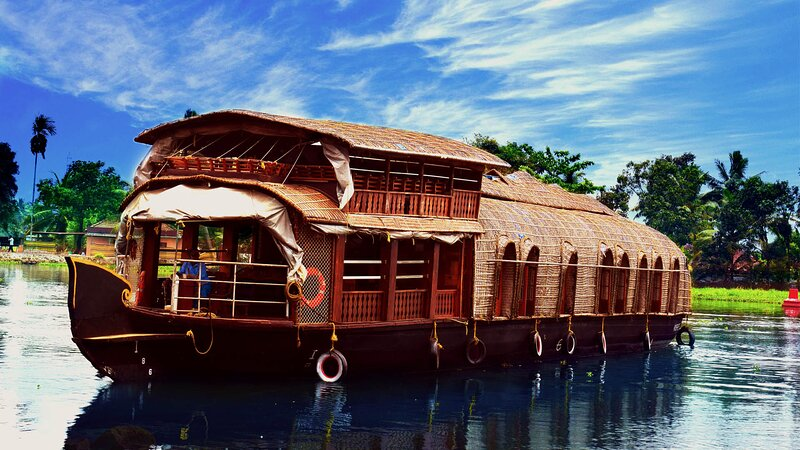 Spice Beds 3 Bedroom Houseboat, alquiler de vacaciones en Nedumudi