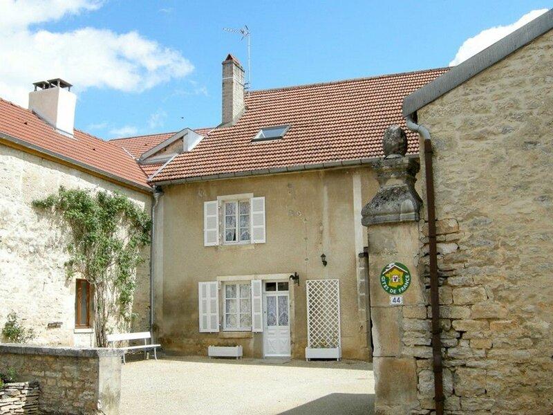 LES PIERRES BLANCHES, location de vacances à Recey-sur-Ource