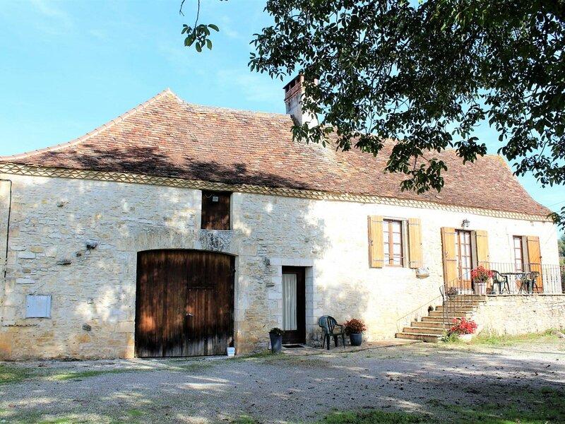 Location Gîte Coulaures, 4 pièces, 5 personnes, vacation rental in Corgnac-sur-l'Isle
