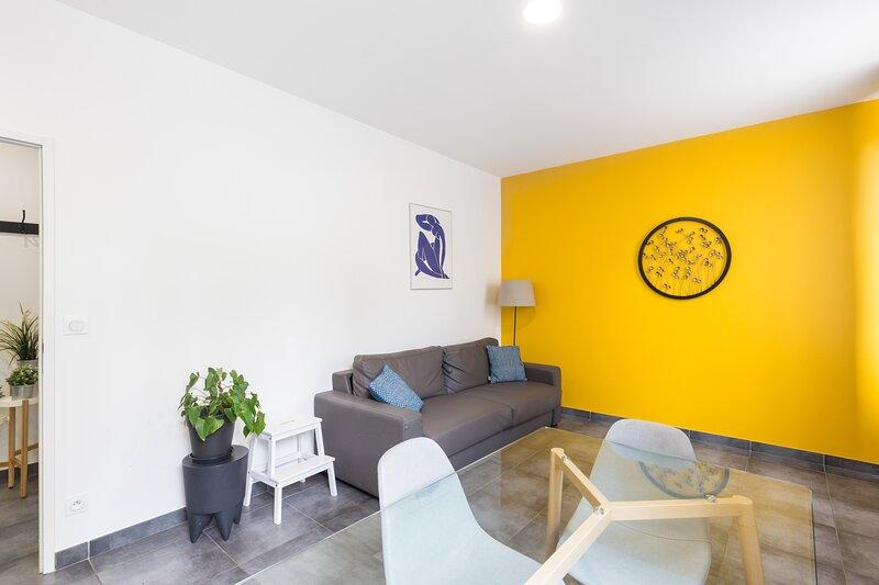Chabaud 48 - Appartement 6 personnes 2 Chambres Wi-Fi Parking Centre-ville Reims, location de vacances à Chigny les Roses
