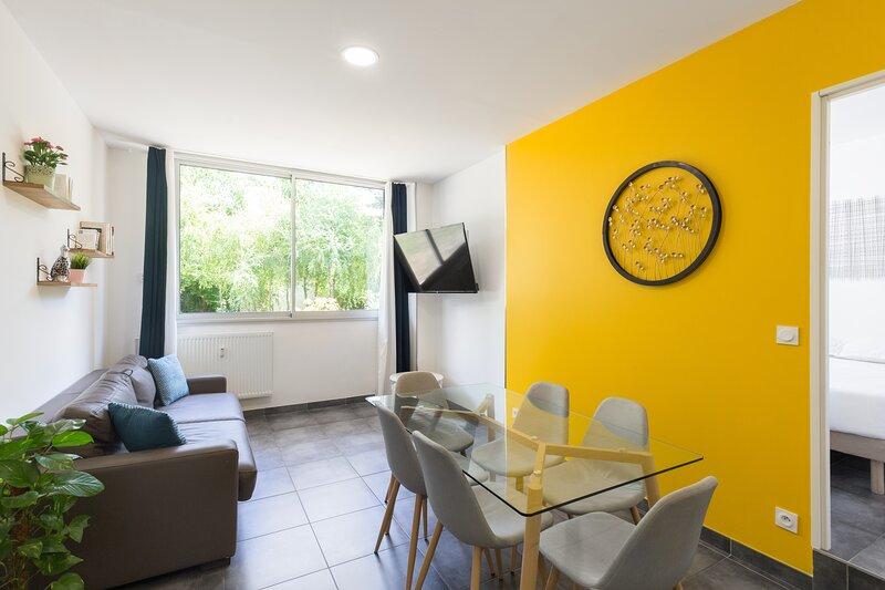 Chabaud 51 - Appartement 6 personnes 2 Chambres Wi-Fi Parking Centre-ville Reims, location de vacances à Chigny les Roses