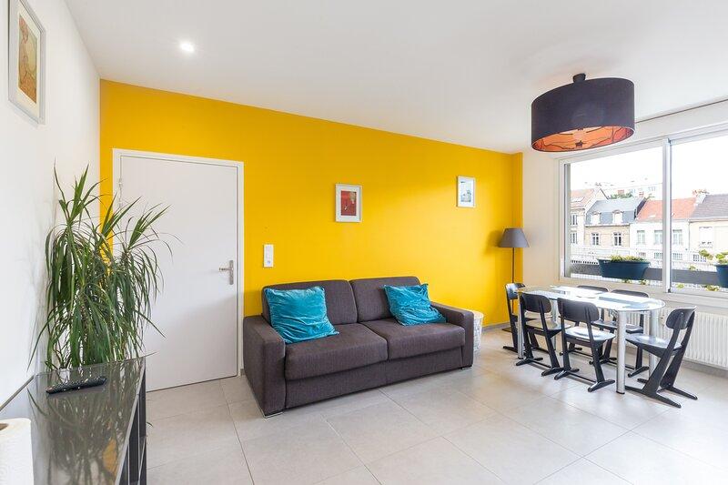 Chabaud 63 - Appartement 6 personnes 2 Chambres Wi-Fi Parking Centre-ville Reims, location de vacances à Chigny les Roses