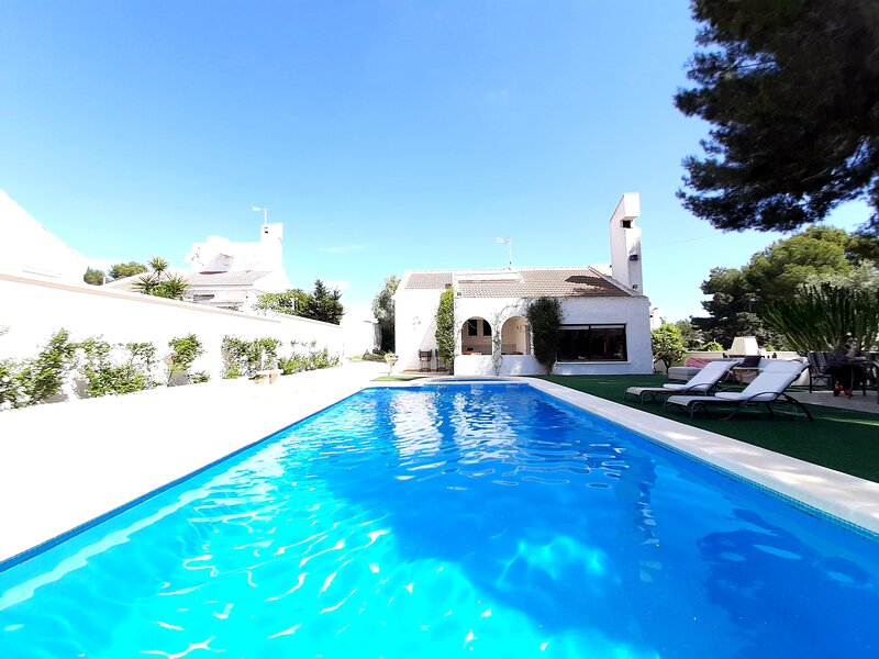 HAD Villa Alba San Miguel de Salinas, holiday rental in Lo Rufete