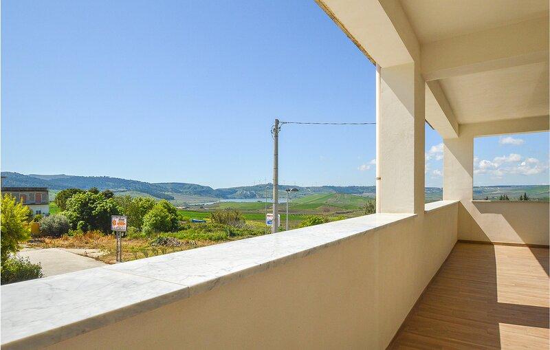 Nice apartment in Sambuca di Sicilia with WiFi and 3 Bedrooms (ISR388), holiday rental in Santa Margherita di Belice
