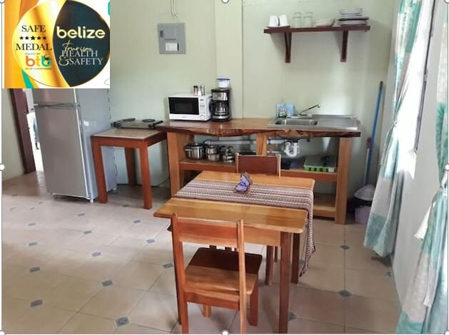 HomeHill Apartments/Vacation Rentals Apt. #2, holiday rental in San Ignacio