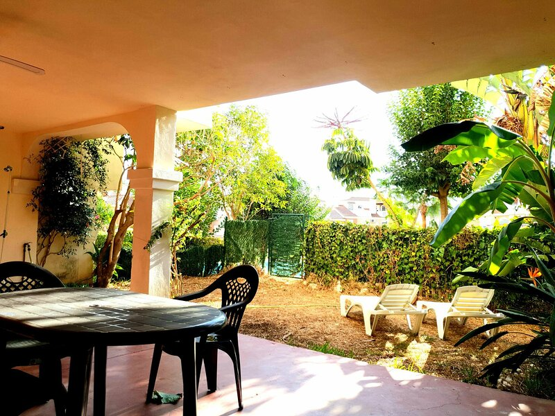 Spacious, Relax, Garden, Nature, Pool, Golf, Beach, alquiler vacacional en Benagalbón