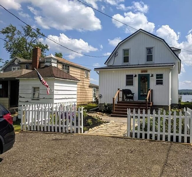 3723 Pleasant Ave., holiday rental in Jamestown