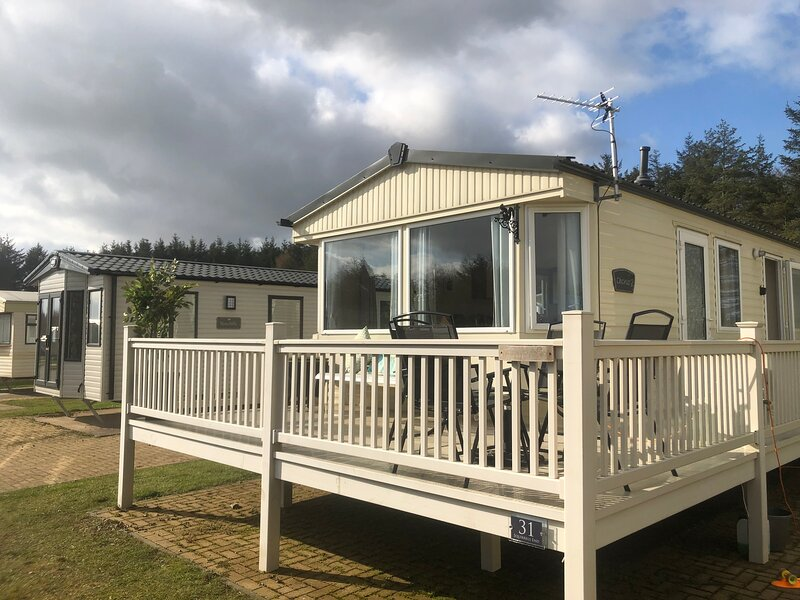 Lovely 3bed caravan in Morpeth with free golf, location de vacances à Newton on the Moor