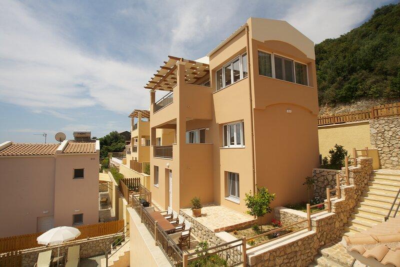 Corfu Sea View Villa Bacante, location de vacances à Spartilas