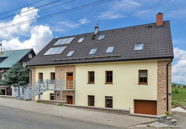 Haj Apartment Sleeps 2 with Pool and WiFi - 5889232, location de vacances à Joehstadt