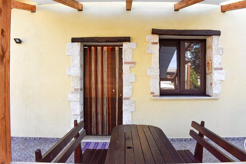 Bluiaia - Grotticelle, vakantiewoning in Brattiro