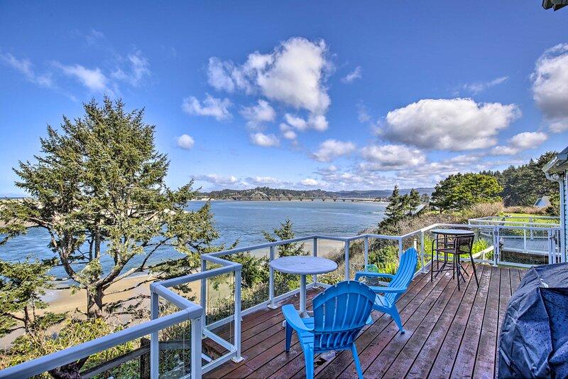 NEW! Waldport Beach House w/ Loft & Ocean Views!, vacation rental in Waldport