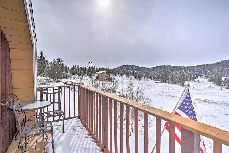Private 2-Level Deck   Mountain Views   1.7 Mi to Observatory Rock