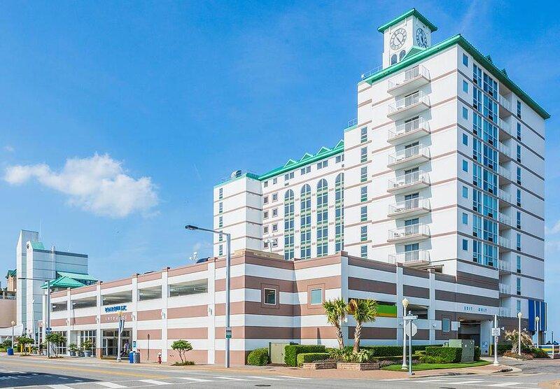 Boardwalk Resort and Villas Exterior
