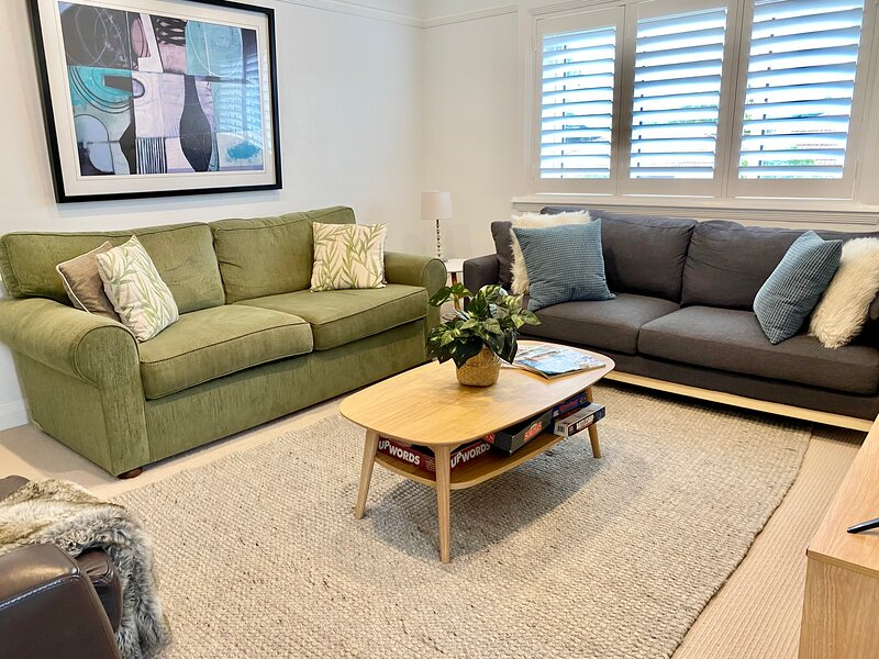 *Manly Family Getaway* free parking, 4 mins walk beaches, parks, cafes, parks*, alquiler vacacional en Allambie Heights