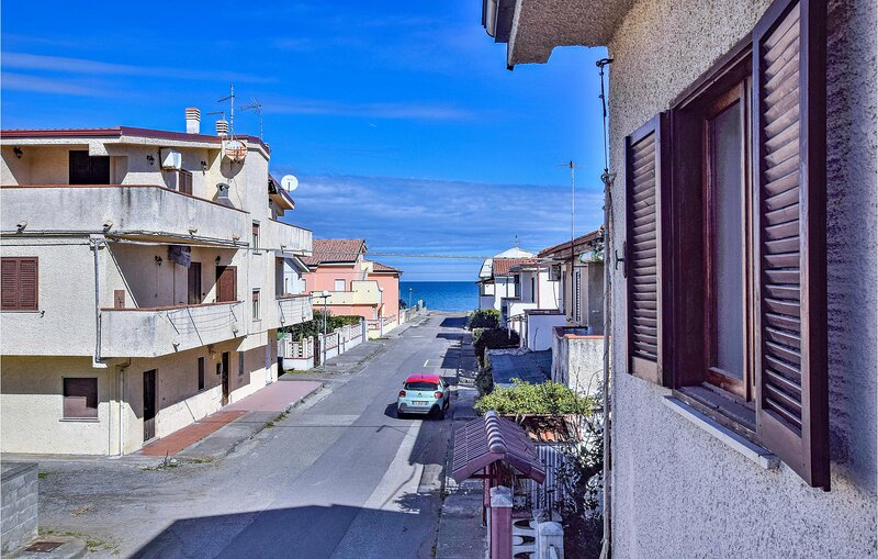 Nice apartment in Cariati Marina with WiFi and 2 Bedrooms (IKK555), holiday rental in Torretta