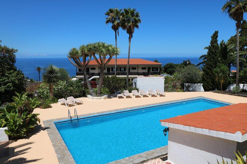 Relax - Studio 2 - Apartamentos Miranda - Ground floor, casa vacanza a Brena Alta