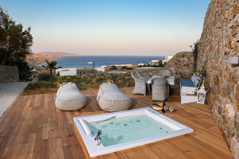 Villa Kallisti ✮Jacuzzi✮, vacation rental in Kalafatis