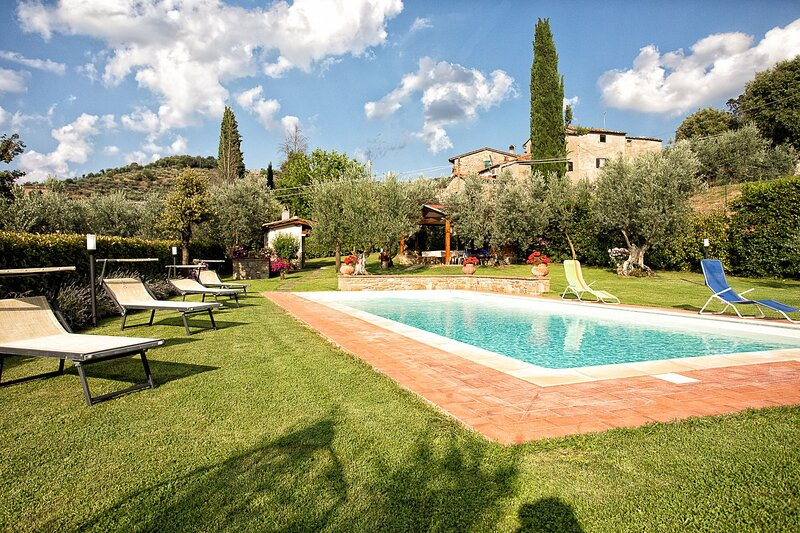 Orzale Villa Sleeps 4 with Pool and Air Con - 5888774, holiday rental in La Strada-Santa Cristina