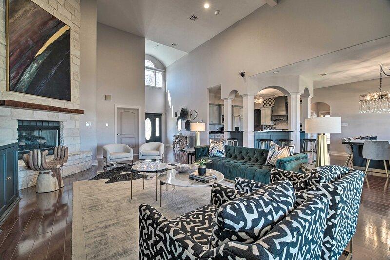 NEW! Luxurious Aggieland Retreat - 14 Mi to A&M!, holiday rental in Washington