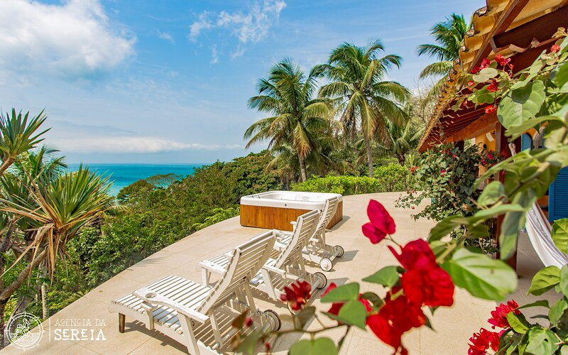 Casa espetacular com spa e vista para o mar na Praia do Pacuíba, casa vacanza a Ilhabela