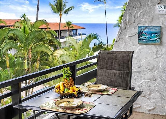Casa De Emdeko# 324 1/1 Remodeled ,Top Floor, Oceanview, AC, Elevators!, location de vacances à Kailua-Kona