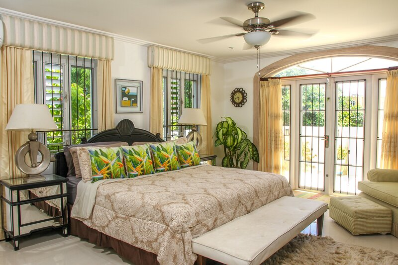Comfortable, cozy, King Bedroom Suite in a lovely private residence, holiday rental in St. Lawrence Gap