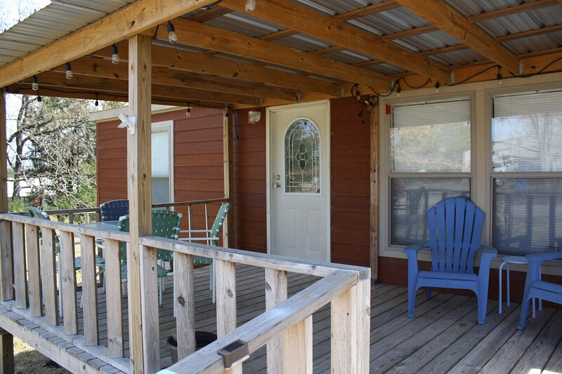 Cozy Little Getaway at Arrowhead State Park, vacation rental in McAlester